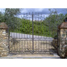 Wrought Iron Driveway Gate. Personalised Executions. 053