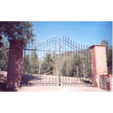 Wrought Iron Driveway Gate. Personalised Executions. 056