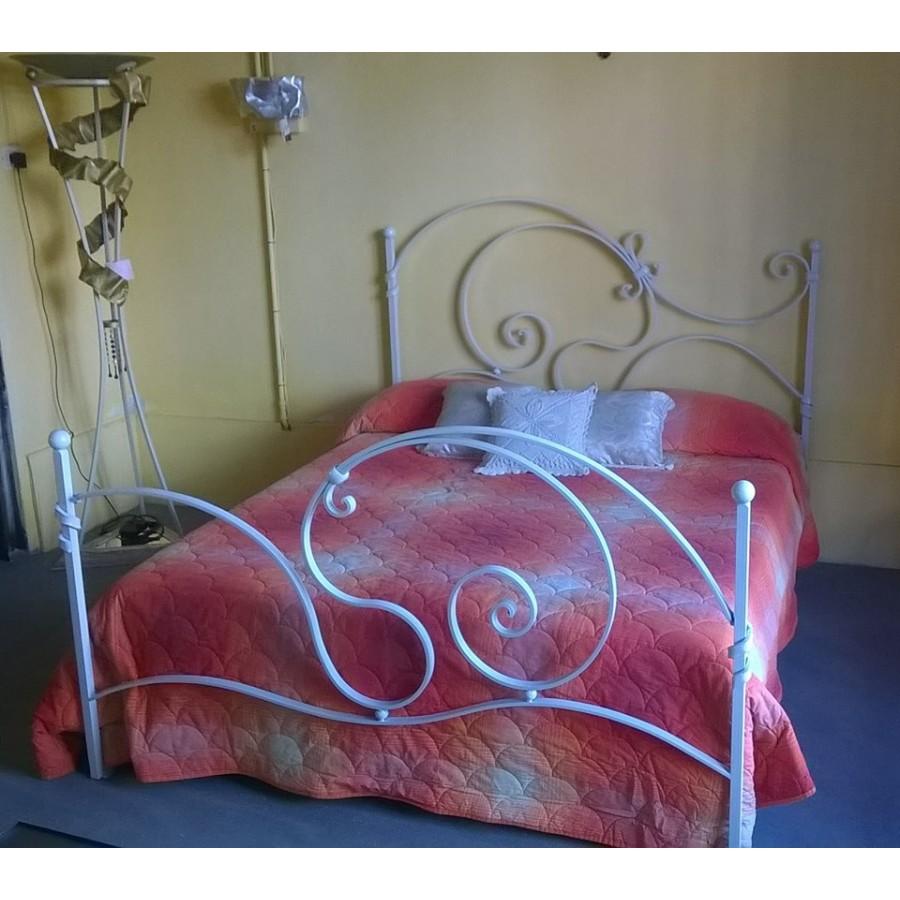 Letto in ferro battuto matrimoniale testiera e pediera colore bianco 989 - Testiera letto matrimoniale ferro battuto ...